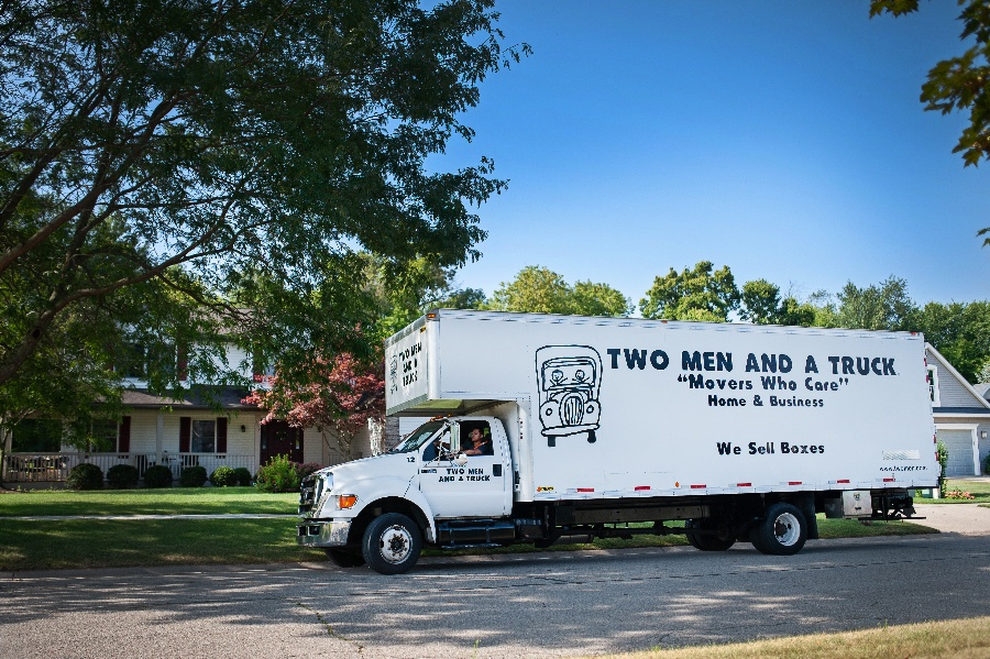 TWO MEN AND A TRUCK® on the move with CMX1